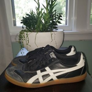 Onitsuka Tiger by Asics tennis shoes